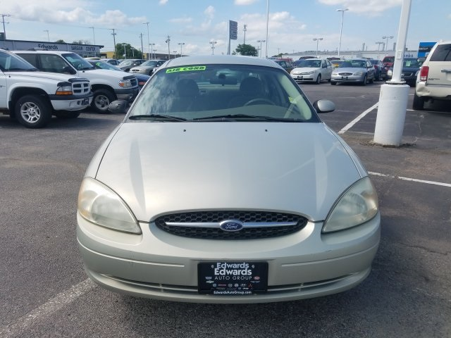 Pre-Owned 2003 Ford Taurus SE
