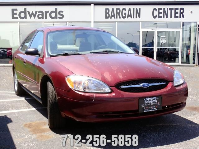 Used 2006 Pre-Owned 2006 Ford Taurus SE