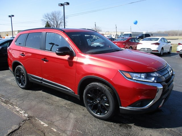 New 2019 Mitsubishi Outlander LE