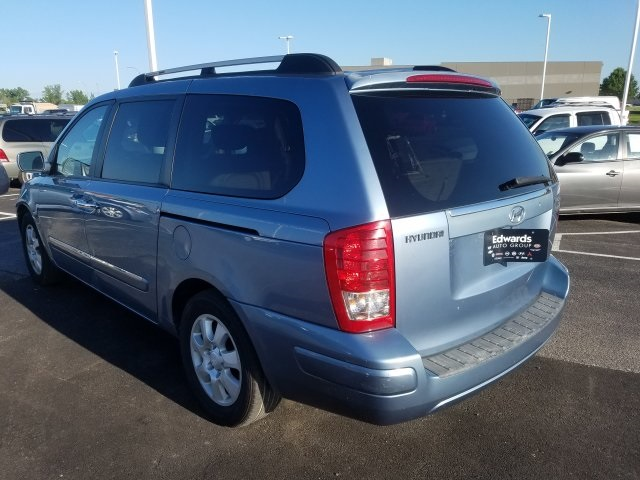 Pre-Owned 2007 Hyundai Entourage Limited
