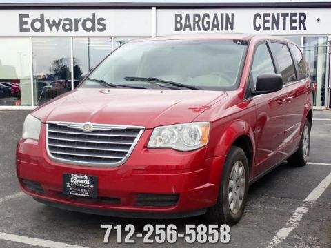 Pre-Owned 2009 Chrysler Town & Country LX FWD 4D Passenger Van